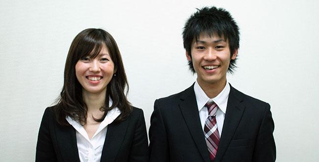 笑顔の学生
